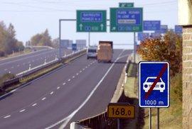 Proklínáte kvalitu českých dálnic aneb Proč zůstává římský beton na rozdíl od našeho tisíce let neporušený