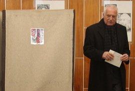 Václav Klaus se bojí o svou zemičku. Podpořil proto eurofederalistu Zemana!