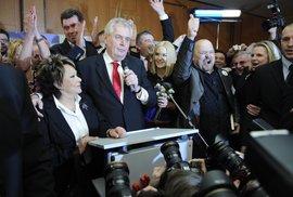 Fotografie z volebního štábu Miloše Zemana