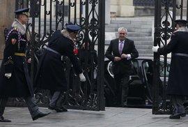 Inaugurace 2013: Miloš Zeman prochází branou gigantů na Pražském Hradě a míří na svou první prezidentskou inauguraci
