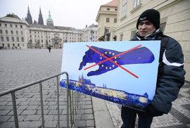 Neúspěšní kandidáti zakládají vlastní Evropskou unii. Nejrychlejší získají hrnce zdarma