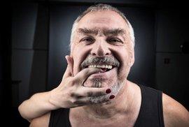 Pavel Opočenský: Prý jsem si v Karlových Varech postavil sochu vlastního penisu