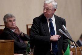 BOHUMIL DOLEŽAL: Nemilý karambol v Senátu