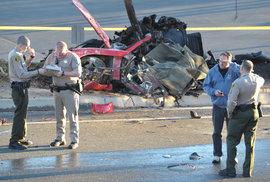 Zbytky vozu, ve kterém zemřel herec Paul Walker