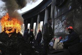 Všechno tu má znaky revoluce, takové, co se zpětně jeví jako kýč, vypráví Jan Šibík.