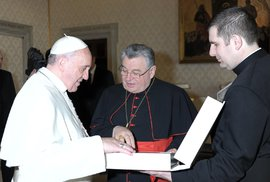 Pošleme dopis do zahraničí, ať si u nás zjednají pořádek. Dopis aktivistů papeži je bizár