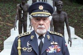 Rozhovor s generálem Fajtlem, českým hrdinou na slovenském nebi