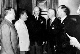 Rusové a Němci nechvalně známý pakt o neútočení