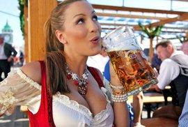 Na pivní Oktoberfest přišlo nejmíň lidí za posledních 15 let, ale vzrostl počet…
