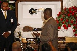 S králem blues B.B.Kingem se v Mississippi rozloučily stovky lidí