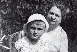 Smaminkou, která záhy zemřela, vroce 1935