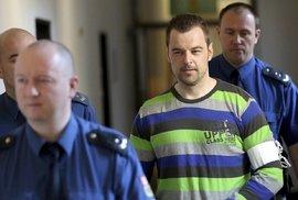 Začal soud s Petrem Kramným obviněným z vraždy manželky a dcery. Vinu popírá a chce se očistit