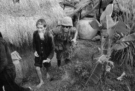Válka ve Vietnamu (1965–1974). Vietnamské války se zúčastnilo přes 6000 generálů a důstojníků sovětských ozbrojených sil, z nichž třináct zahynulo a tři zemřeli na nemoci.