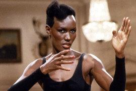 May Day. Film: Vyhlídka na smrt (1985). Status: Zemřela. Charakteristika: Oddaná a bezcitná. Herečka: Grace Jonesová