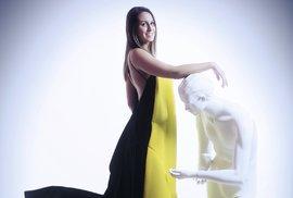 """Anet Jarmoliková ještě podtrhla dynamiku """"městského"""" labelu DKNY: """"Vesvém redesignu značky Donna Karan jsem se snažila obsáhnout její typickou estetiku, respektovat historii, zachovat ducha značky azároveň vnést svůjoriginální,svěžípodpis."""""""