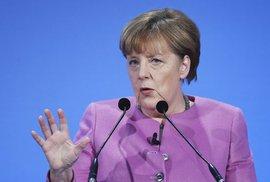 Koaliční spojenec varuje Merkelovou: Okamžitě změňte politiku k uprchlíkům, situace je nebezpečná