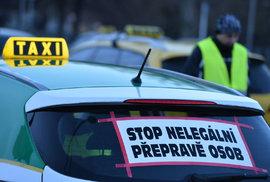 Vypněte Uber a Taxify, vyzývají taxikáři Babiše