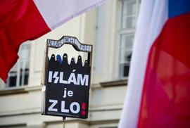 Velká studie ukazuje, koho nechtějí Češi za sousedy: Alkoholiky, Romy nebo imigranty