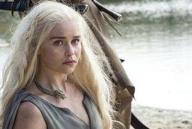 Arya žije, Jon Snow není. 20 fotek pro nedočkavce nové série Hry o trůny je venku