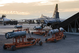 Ruské stroje na základně Chmejmim.
