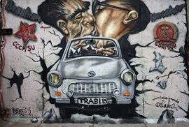 Slavné osobnosti žijí věčně a čile cestují. Díky street artu