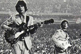 Unikátní fotky z legendárního koncertu Beatles na stadionu Shea v New Yorku