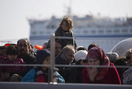 Řecko deportuje první uprchlíky z ostrova Lesbos do Turecka