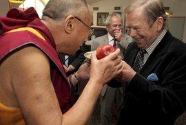 Svět smutní: Tibetský dalajlama už nebude cestovat do ciziny. Brání mu v tom vysoký věk a vyčerpání