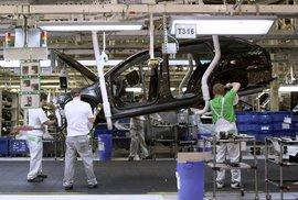 Tržby automobilek v Česku loni poprvé překonaly hranici bilionu korun