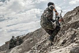 Lenka Klicperová v syrském Kurdistánu: Jak se fotí boj s Islámským státem