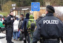 U Bratislavy havarovala dodávka s migranty, honila se s policií