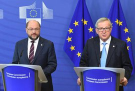 Eurohujeři i po odchodu Velké Británie dál nesmyslně a nebezpečně tlačí na pilu