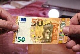 Juncker navrhuje vznik nástroje, který by urychlil přijetí eura