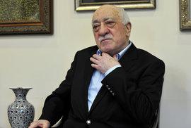Tajemný pan Gülen. Ohrožuje vůdce náboženského hnutí tureckého prezidenta?