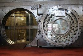 O hořkém pláči tlustých kocourů, aneb když bankám klesají zisky