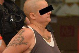 Promluvil syn zavražděné ženy na Smíchově: Maminka byla terčem zákeřného a zbabělého útoku zezadu