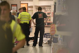 Vražedkyně ubodala starší ženu přímo v obchodním centru