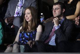 Nominační sjezd demokratů ve Philadelphii: Chelsea Clinton s manželem Markem
