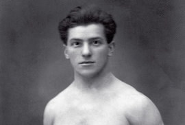 1924, Paříž. Kezlaté zašplh, získal Bedřich Šupčík vPaříži 1924 ještě bronz zavíceboj avAmsterodamu 1928 stříbro vdružstvech
