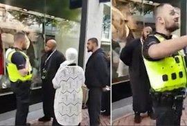 """Policista versus islámský duchovní: """"Mě bude posuzovat Alláh, a ne nějaký týpek v…"""