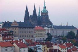 Nejnavštěvovanější českou památkou byl loni Pražský hrad, přilákal téměř 2 miliony turistů