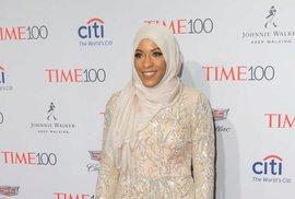 Ibtihaj Muhammad je černošská šermířka, první Američanka v hidžábu.