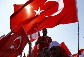 Rakouský starosta vyzval k bojkotu tureckých vlajek v jeho městě