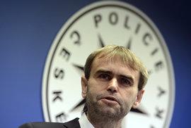 Bývalý ředitel Útvaru pro odhalování organizovaného zločinu Robert Šlachta potvrdil, že přijal nabídku na post náměstka generálního ředitele Celní správy ČR.