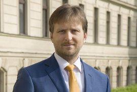 Třetí ministr za den: Spravedlnost povede právník Kněžínek