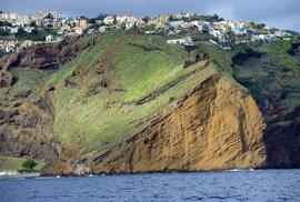 Když se na ostrově Madeira dokážete odtrhnout od nádherné sopečné krajiny, vavřínových pralesů a prohřátého tepu subtropických městeček, čekají na vás překvapivé věci.
