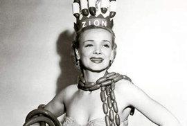 Geene Courtney - Královna párků během Národního týdne hot dogů v roce 1955