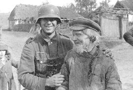 Neučili jsme se to jinak? Zvláštní fotky Němců za druhé světové války v Sovětském svazu