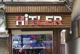 Hitlershop, sen každého nácka, v egyptské Káhiře.