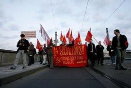 Lidovci zas kolaborují s komunisty. Jak před rokem 1989…